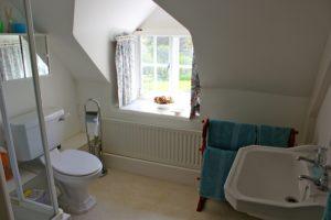The Cat Basket cottage, Oakham, bathroom