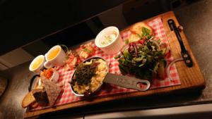 The Black Bull steak night pub food